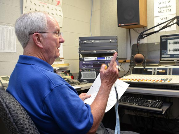 Broadcasting legend Woody Durham, most well-known as the Voice of the Tarheels for more than four decades, will return to the airwaves.